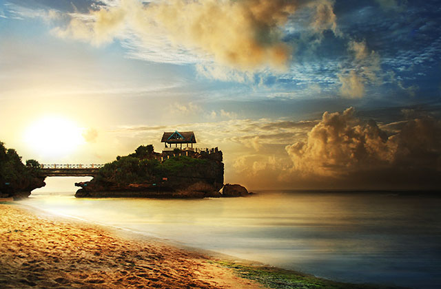 Pantai gunung kidul yang romantis
