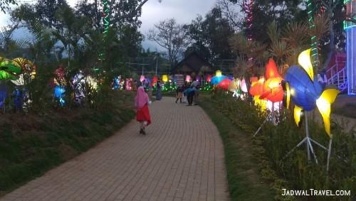Tiket Masuk Taman Bunga Celosia Bandungan