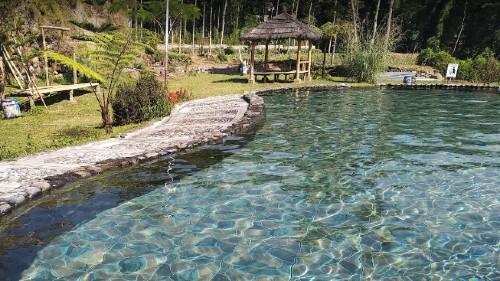 kolam renang cinta liyangan
