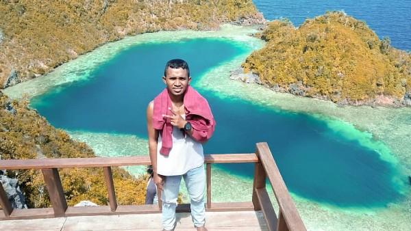 Danau Love Karawapop