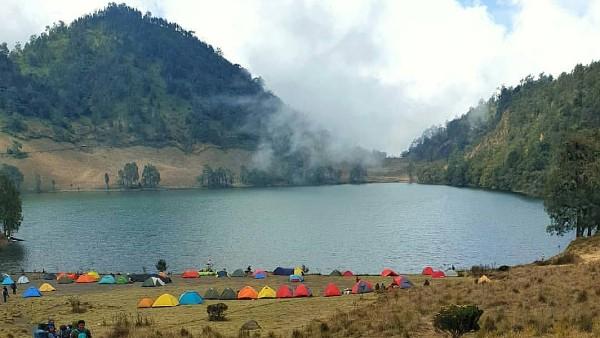 Destinasi Wisata Pendakian Gunung Terbaik di Indonesia