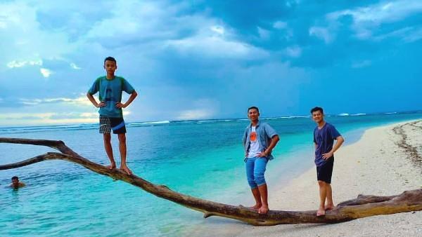 Pantai Tanjung Setia Lampung