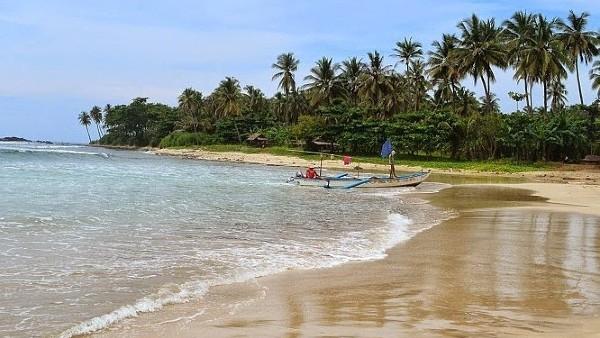 Tiket masuk Pantai Sawarna Banten