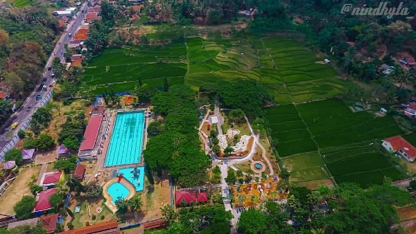 Kolam Renang Artha Tirta Purworejo