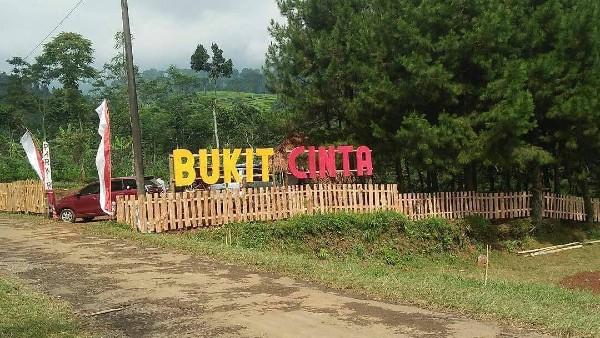 Bukit Cinta Ngadirejo