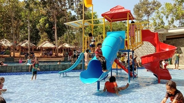 Trisobo Park Boja