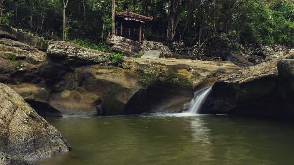 Air Terjun Luweng Sampang
