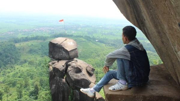Bukit Goa Lawa Tegal