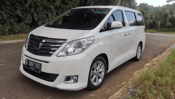 Rental Toyota Alphard